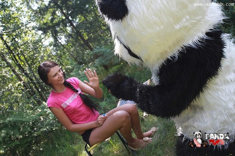 国宝熊猫也需要爱